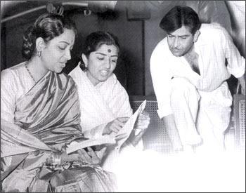Geeta Dutt, Lata Mangeshkar and Raj Kapoor