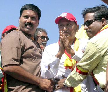 Chenna (in brown shirt) with Rajkumar