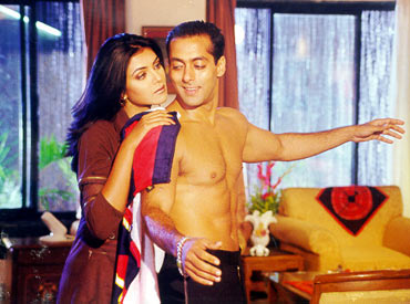 A scene from Biwi No 1