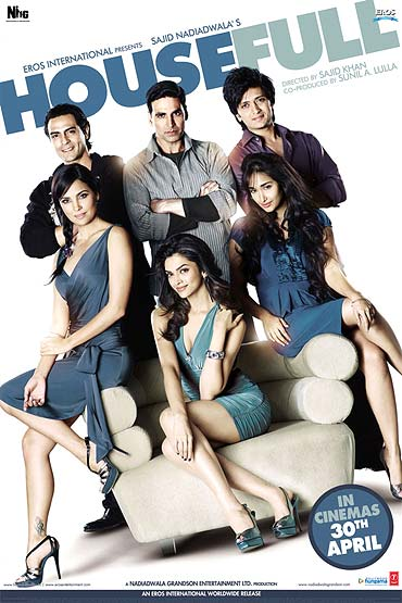 A poster of Housefull