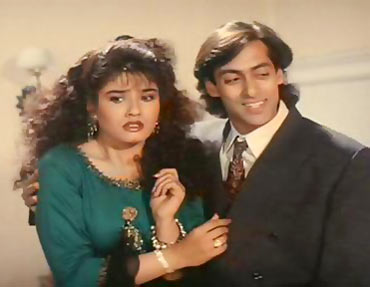Raveena Tandon and Salman Khan in Andaz Apna Apna
