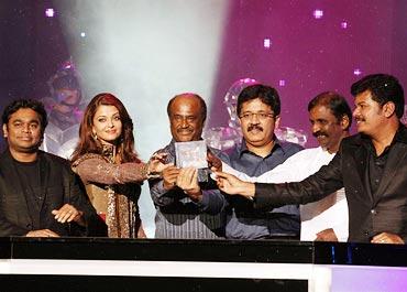 A R Rahman, Aishwarya Rai Bachchan, Rajnikanth, Kalanithi Maran, Vairamuthu and Shankar