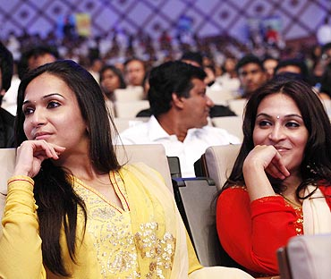 Soundarya and Aishwarya Rajnikanth