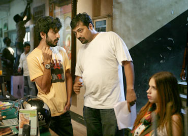 Anurag Kashyap (centre) and Kalki Koechlin (right) on the sets of That Girl in Yellow Boots