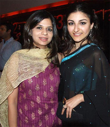 Saba and Soha Ali Khan