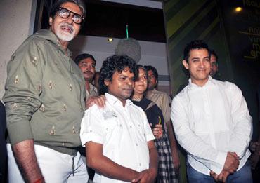 Aamir Khan, Omkar Das Manikpur, Amitabh Bachchan