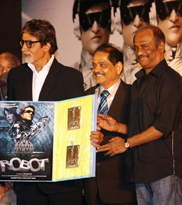 Amitabh Bachchan, Ganesh Jain of Venus Music and Rajnikanth release the film's audio