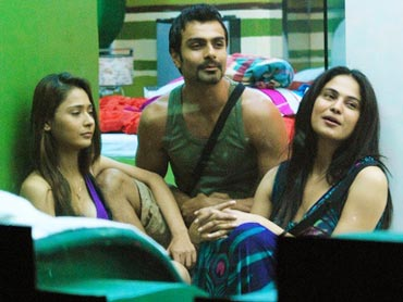 Sara Khan, Ashmit Patel and Veena Malik