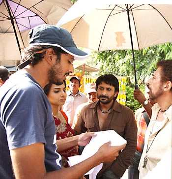 Abhishek Chaubey on the sets of Ishqiya