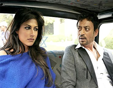 Chitrangada Singh and Irrfan Khan in Yeh Saali Zindagi