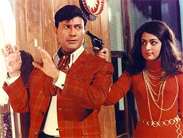 Dev Anand and Hema Malini in Johnny Mera Naam