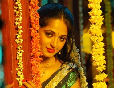 Anushka in Vedam