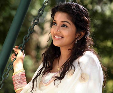 Meera Jasmine in Pattinte Palazhi