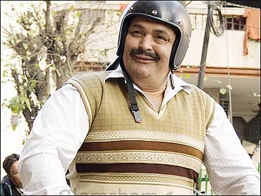 Rishi Kapoor in Do Dooni Chaar
