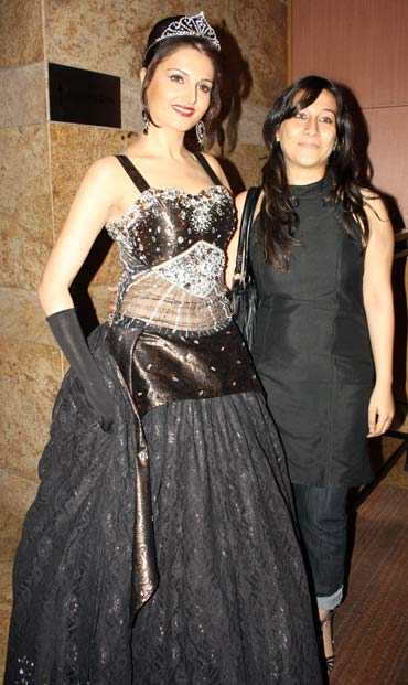 Monica Bedi and Manesha Agarwal
