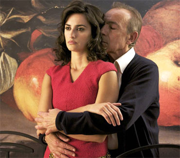 Penelope Cruz and Jose Luis Gomez in Broken Embraces
