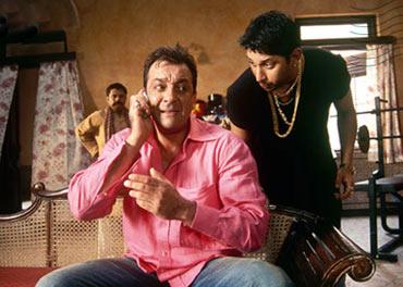 A scene from Lage Raho Munnabhai