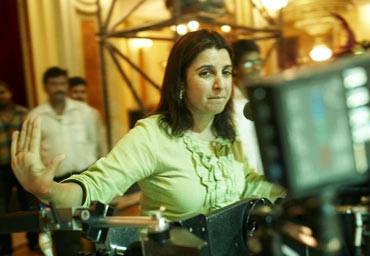 Farah Khan on sets of Om Shanti Om