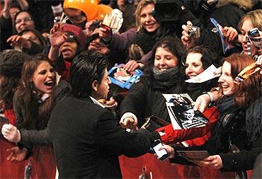 Shah Rukh Khan greets his fans