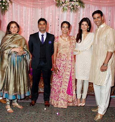Dimple, Hemant Bhanadari, Rashi, Twinkle and Akshay Kumar
