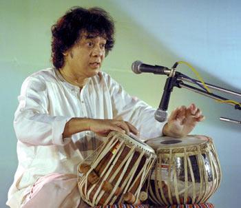 Zakir Hussain plays tabla in Patna