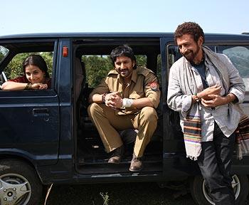 A scene from Ishqiya
