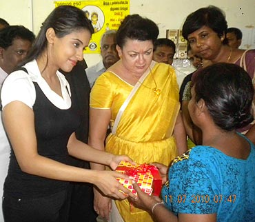 Asin along with the first lady Madam Shiranthi Wickramasinghe Rajapakse
