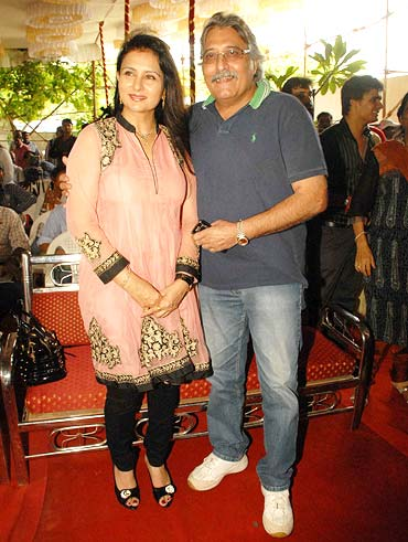 Poonam Dhillon and Vinod Khanna