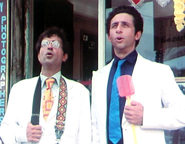 A scene from Jaane Bhi Do Yaaron