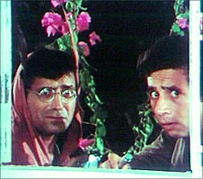 Ravi Baswani and Naseeruddin Shah in Jaane Bhi Do Yaaron