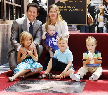 Mark Wahlberg, Rhea Durham, Ella, Grace, Michael and Brendan