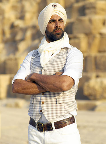 A scene from Singh is King