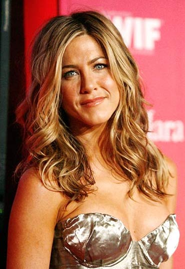 jennifer aniston topless  movies