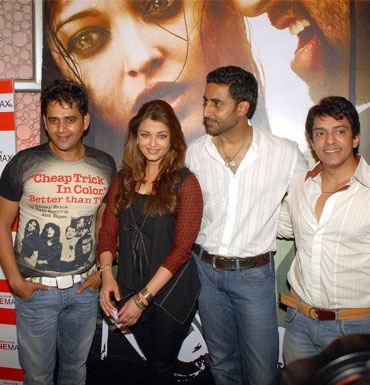 Ravi Kissen, Aishwarya Rai, Abhishek Bachchan and Ajay Gehi
