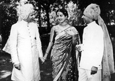 Leela Naidu with Tikki and Bikki Oberoi