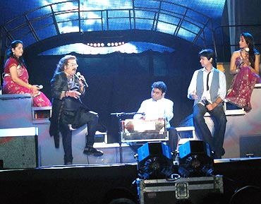 Second from left: Hariharan, A R Rahman, Vijay Prakash