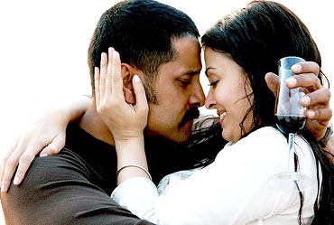 Vikram and Aishwarya Rai Bachchan in Raavan