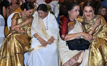 Rekha chats with sisters Lata Mangeshkar and Asha Bhosle