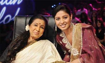 Asha Bhosle and Sunidhi Chauhan