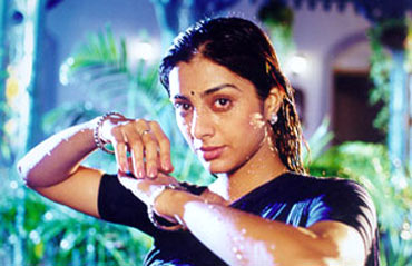 A scene from Thakshak