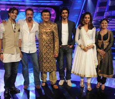 Salim Merchant, Sanjay Dutt, Anu Malik, Kunal Kapoor, Bipasha Basu and Sunidhi Chauhan