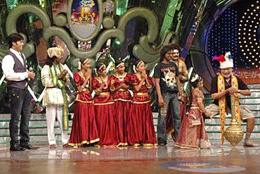 The Aata contestants