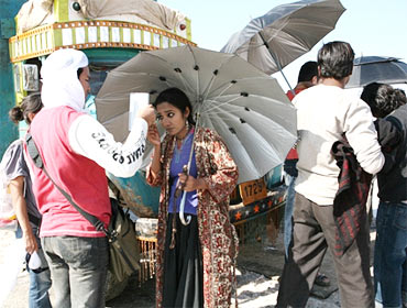 On the sets of Road, Movie