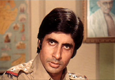 Amitabh Bachchan in a scene from Zanjeer