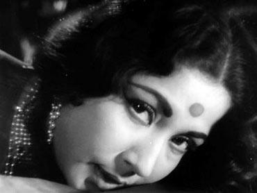 Meena Kumari in a scene from Sahib Bibi Aur Ghulam