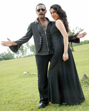 Murali and Shireen in Sihigaali