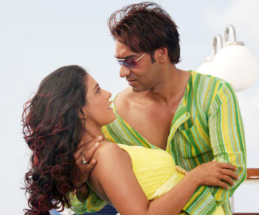 Kajol and Ajay Devgn in U Me Aur Hum