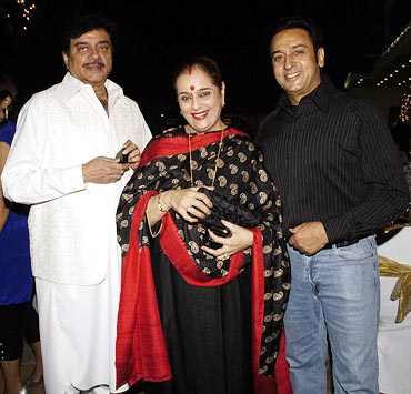 Shatrughan Sinha, Poonam and Gulshan Grover