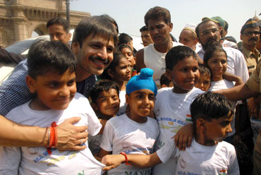 Vivek Oberoi poses with children
