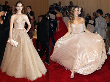 Anne Hathaway and Sarah Jessica Parker